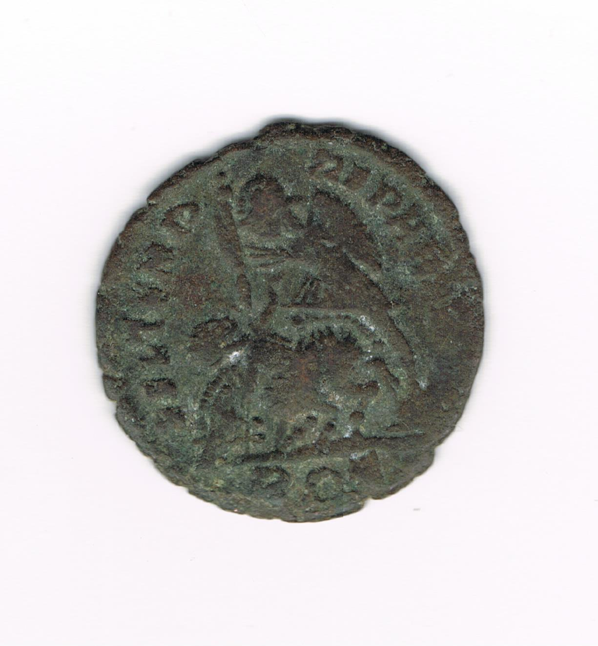 AE3 de Constancio II. FEL TEMP REPARATIO. Soldado romano alanceando a jinete caido. Ceca Roma. 586f65847bdc5