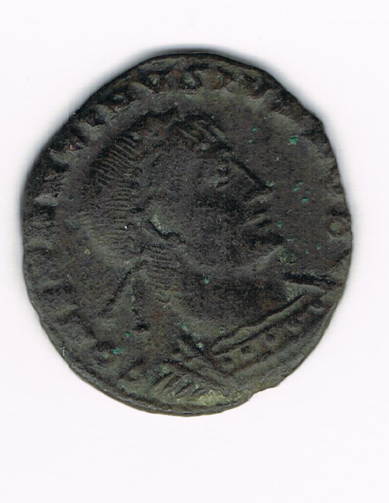 AE4 de Constantino II. GLOR-IA EXERC-ITVS. Estandarte entre dos soldados. Ceca Heraclea?. 587521f76d3ac